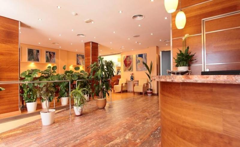Прибыльный отель на 20 номеров у моря, в Кампельо, Аликанте